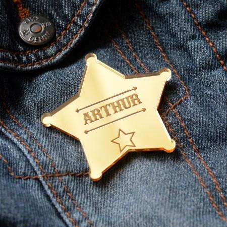 Badge Étoile de shérif avec prénom - Acrylique Miroir Or