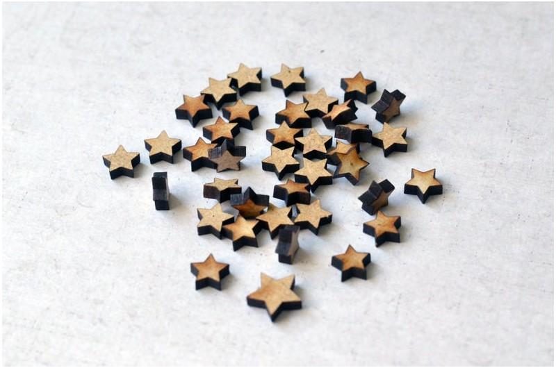 Lot de 50 Étoiles en bois