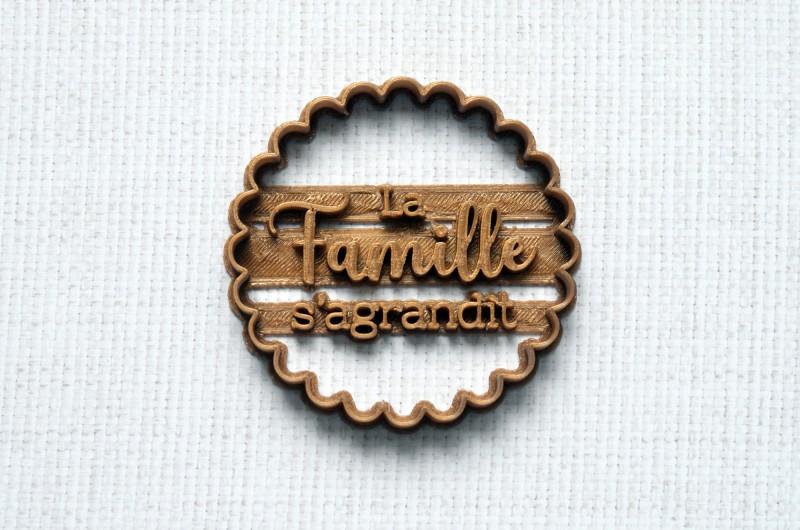 Emporte-pièce La Famille S'agrandit festonné